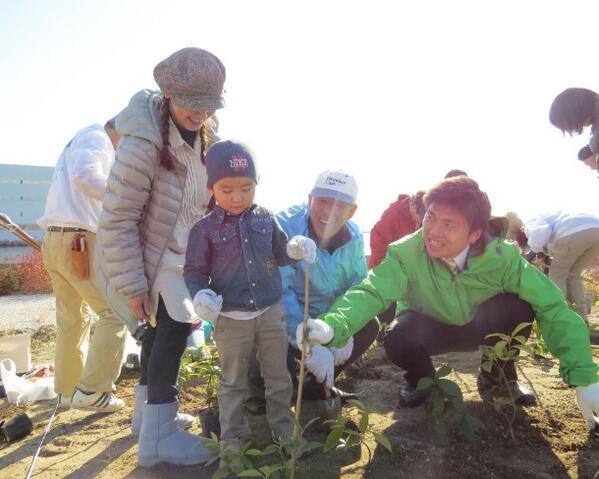 尼崎21世紀の森の植樹活動