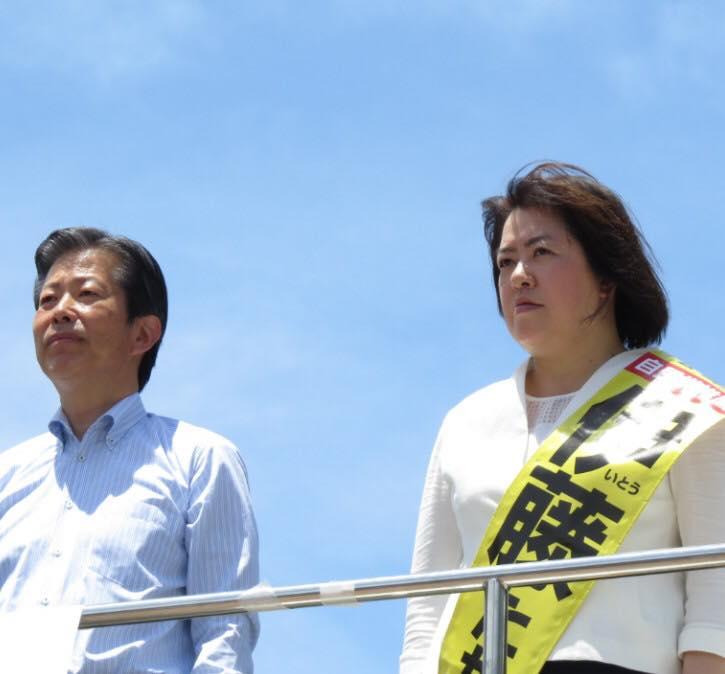 阪神尼崎駅で伊藤たかえ候補の街頭演説