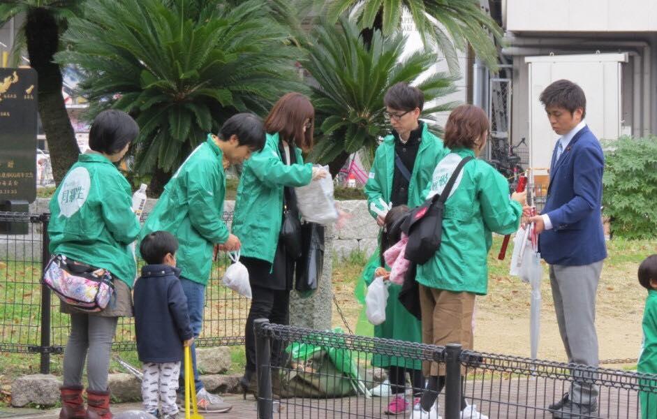 阪神尼崎駅で清掃活動