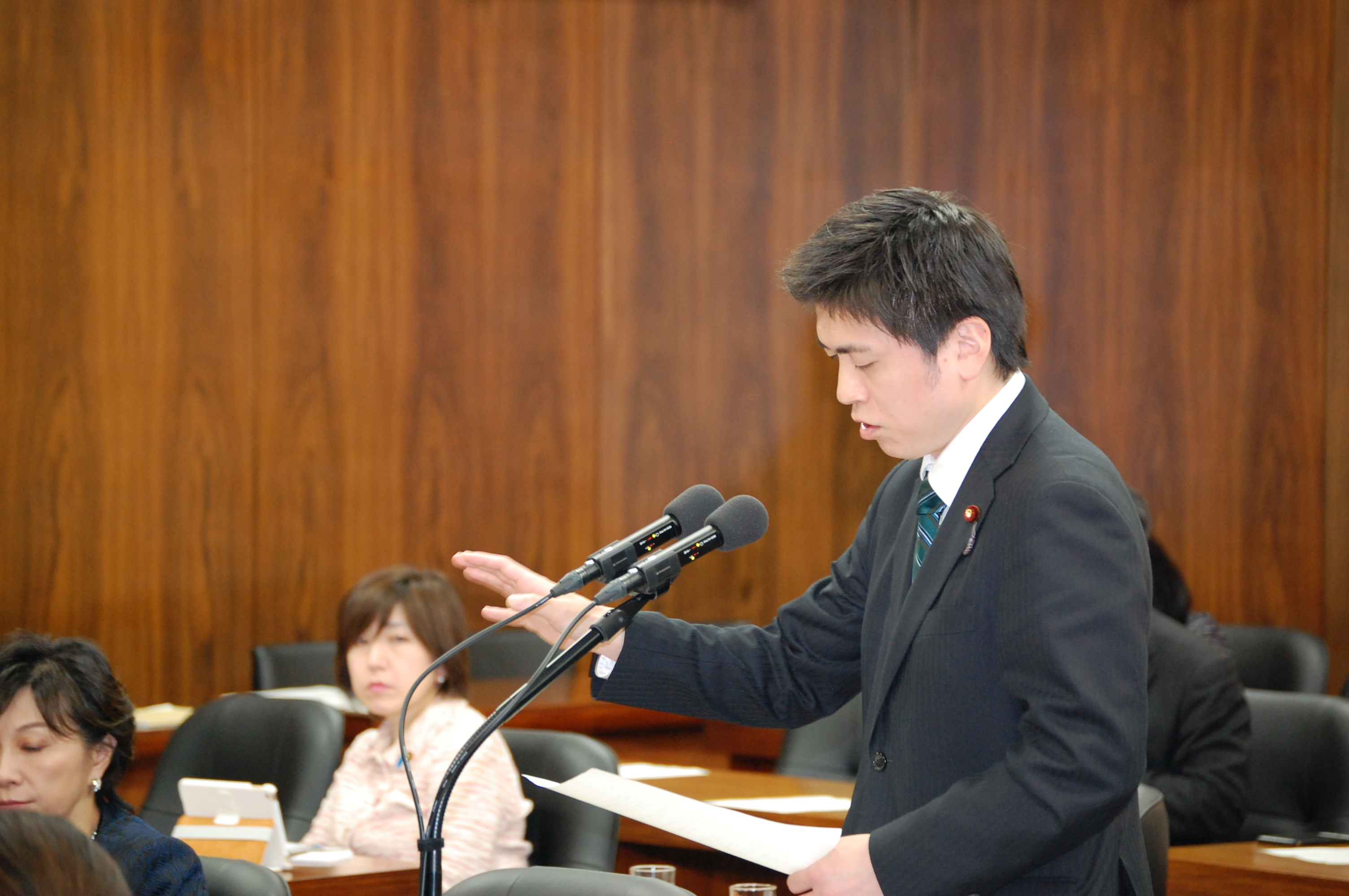 経済産業委員会で質問、党の復興加速化本部に参加