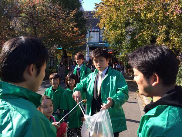同級生と阪神尼崎駅前を清掃