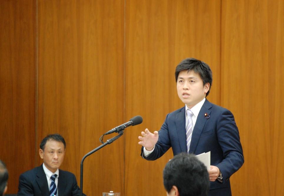 原子力問題調査特別委員会で初質問