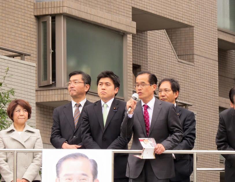 つぼいけんじ県会予定候補(伊丹市)と街頭演説