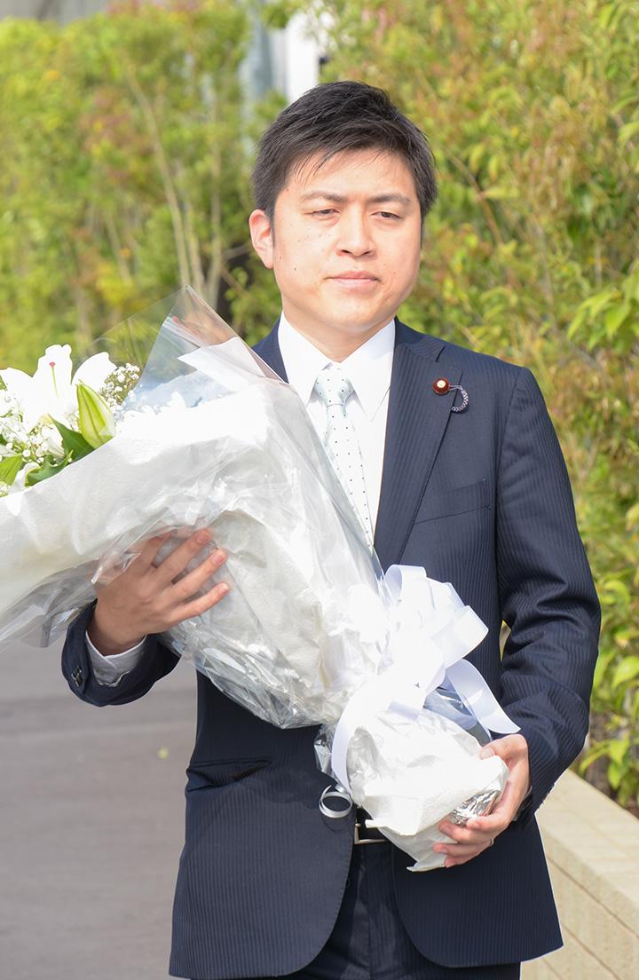 JR福知山線脱線事故現場に献花